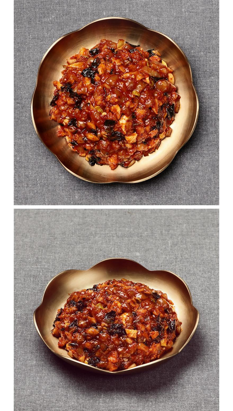 오징어무말랭이무침 쫄깃하고 찰진 오징어와 새콤달콤한 양념이 입에 착착 감긴답니다. 1년 내내 식탁에 올릴 정도로 말이죠. 건 고춧잎, 100% 국내산 고춧가루와 참깨 기름 등 믿을 수 있는 재료로 만들었어요. 흰쌀밥에만 올려서 먹어도 꿀맛이지만, 죽이나 고기 먹을 때 곁들이면 더 맛있어요.