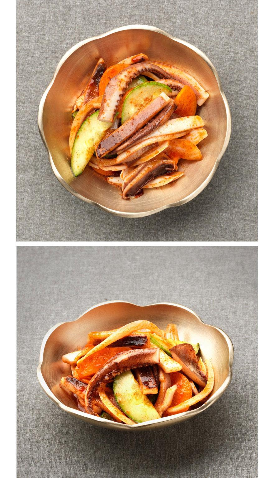 새콤달콤 오징어무침 새콤달콤하면서 쫄깃한 오징어무침이 몸에 활력을 불어넣어줘요. 나른하고 아무것도 하기 싫을 때 한 입 먹으면 정신이 번쩍 한답니다. 여기에 소면 살짝 삶아서 같이 먹어도 맛있어요.